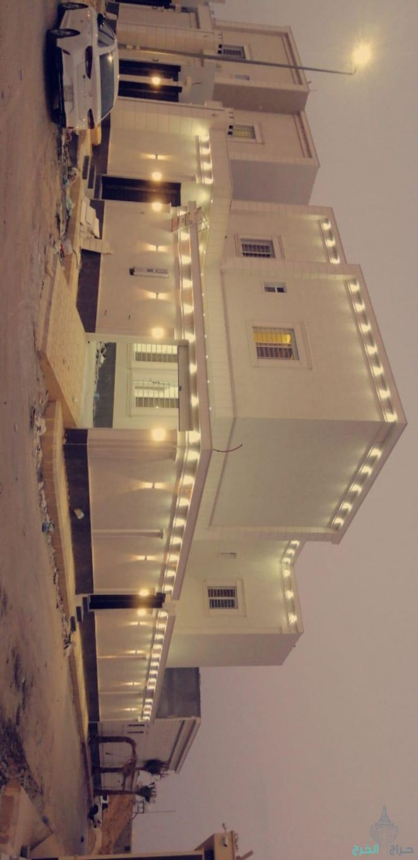 للييع فلة علي شارعين في حي السحاب بالخرج المساحة 450م الشغل شخصي