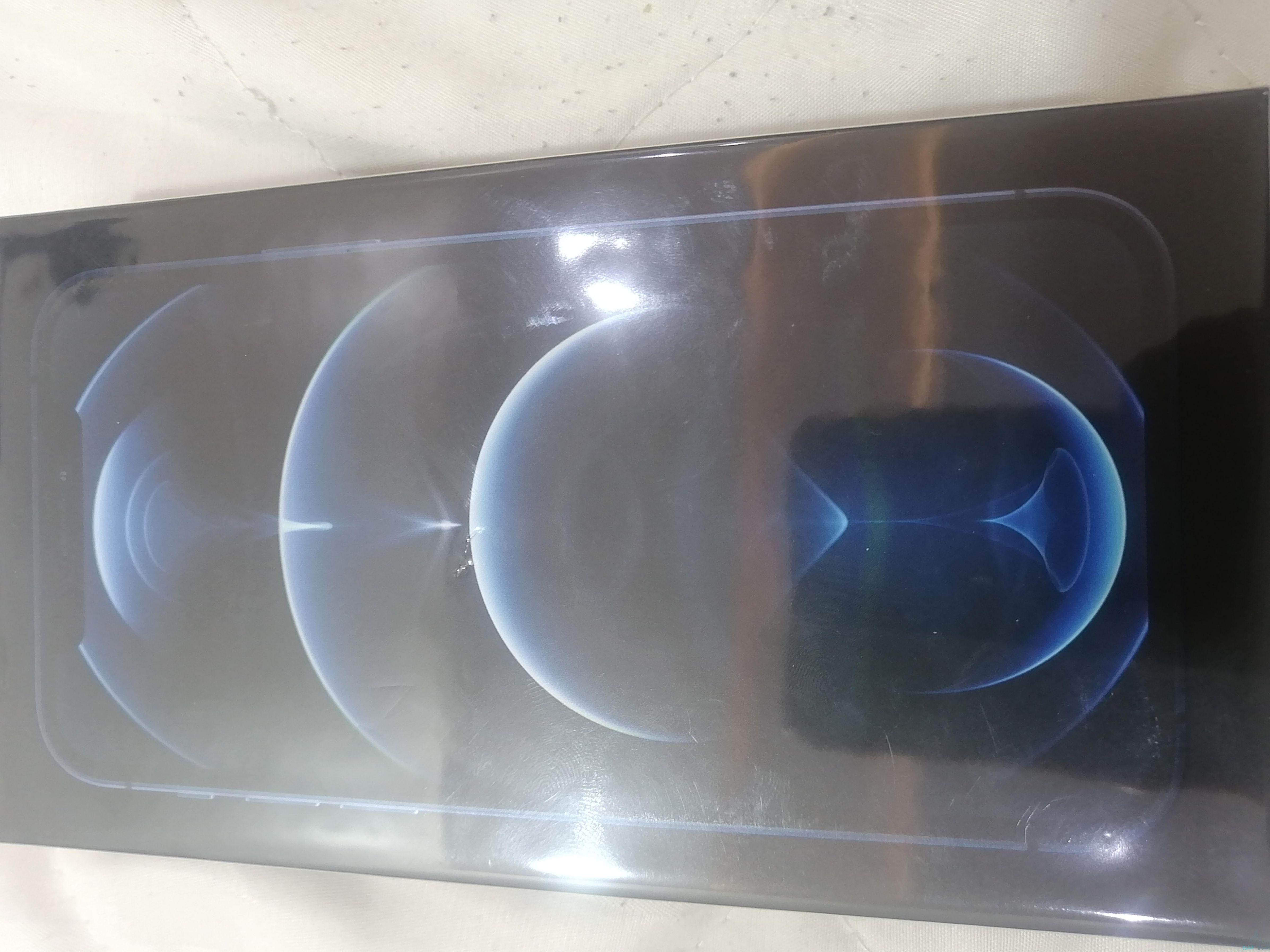 ايفون 12 برو جديد للبيع