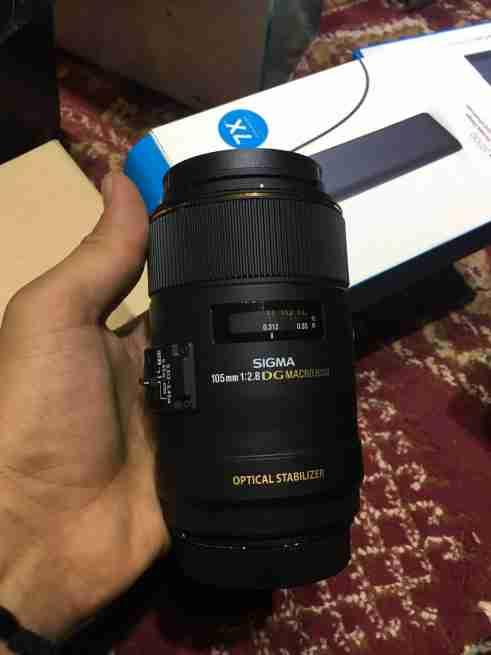 عدسه sigma105mm1:2.8