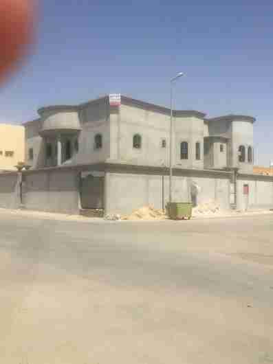عماره للبيع بحي الزاهر ( المربع الفضي )