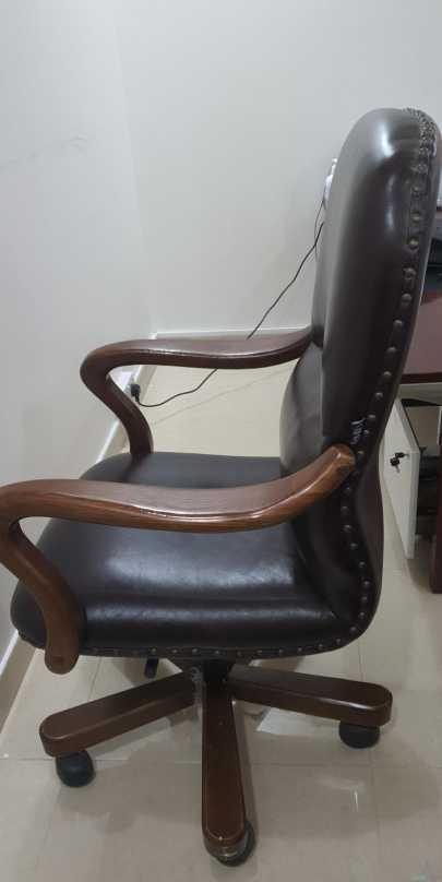 كرسي مكتبي مستعمل