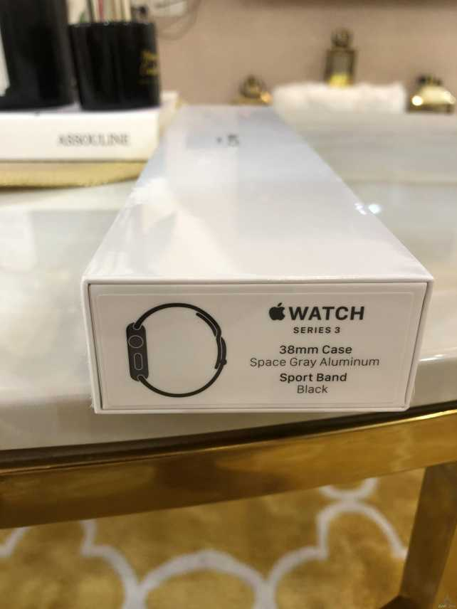 للبيع ساعة ابل جديدة