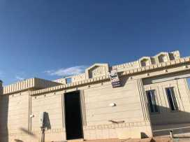 دور للبيع مؤسس شقتين في مخطط اليرموك 1008م المساحة 600م  والتصميم حديث وجديد اول مرة