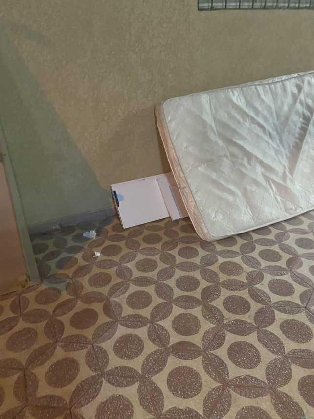 سرير نفر للبيع