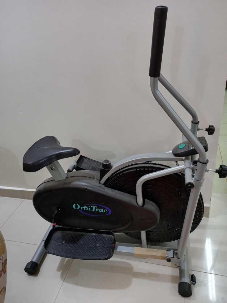 جهاز الاوبتكال الرياضي شبه جديد سيم بي ٣٦٠ والبيع قريب جداً