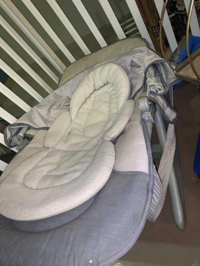 كرسي هزاز للاطفال