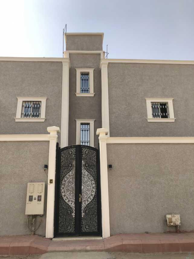 عماره دورين للبيع بحي النهضة شارع الامام محمد بن عبدالوهاب